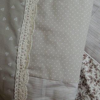 Patchwork Decke grau - beige - weiß